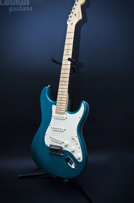 2000 Fender American Deluxe Ash Stratocaster Teal Green SSS