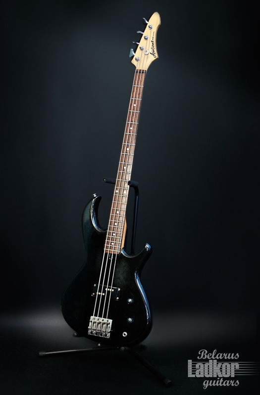 Aria Pro II Bass (Black) (Japan) (1980)