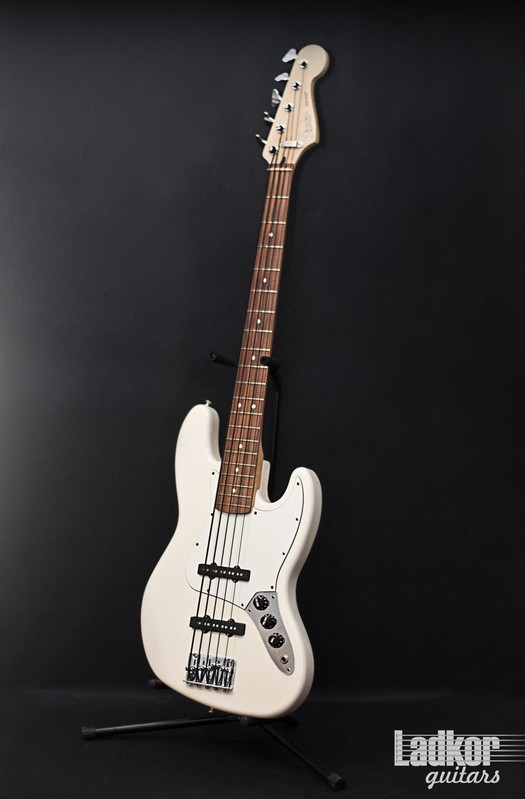 1997 Fender Jazz Bass V White MIM