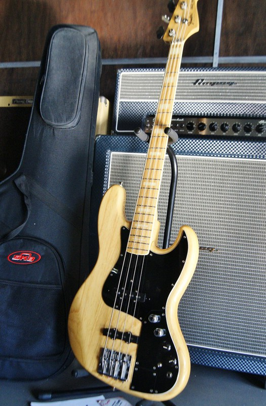 Fender Marcus Miller Jazz Bass (made in Japan)