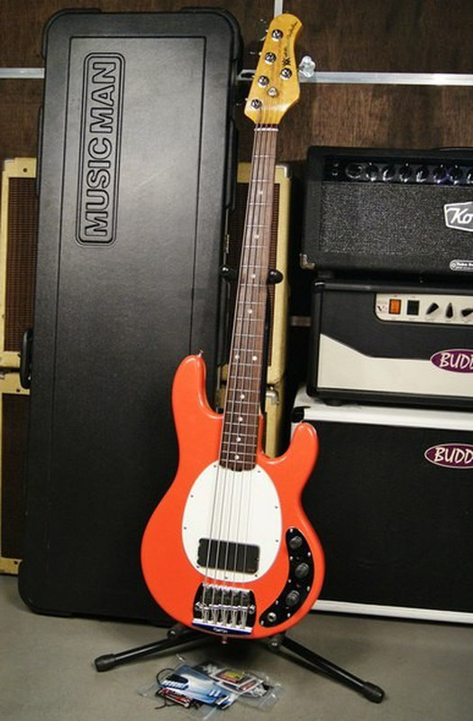 Music Man Stingray Classic 5 Coral Red