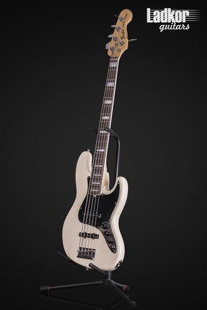 2014 Fender American Deluxe Jazz Bass V Olympic White